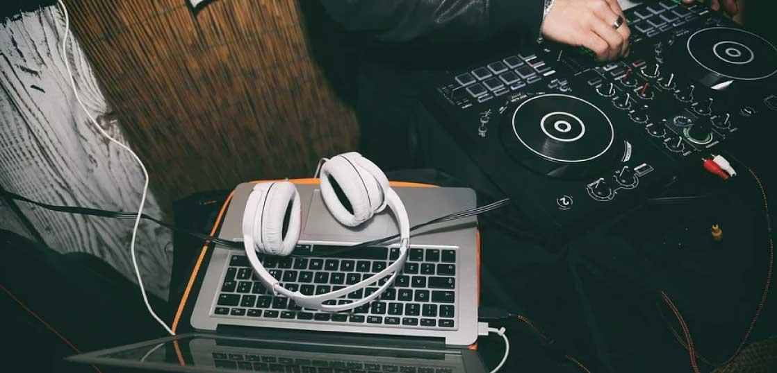 ヘッドホン(DJ用)の特徴とは 画像