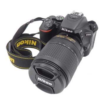 デジタル 一眼レフカメラ D5600 ブラック 18-140 VR レンズキット 画像