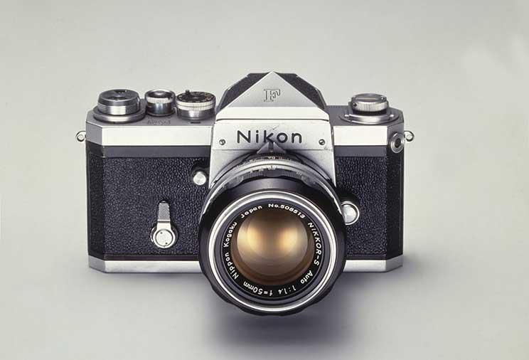 ニコン一眼レフカメラとは 画像