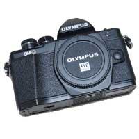 オリンパス(OLYMPUS) OM-D E-M10 Mark II ブラック レンズ2本付き 美品 画像