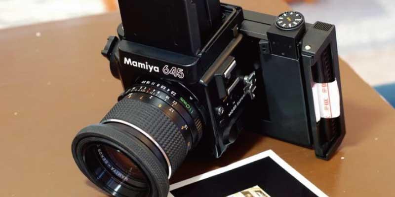 ポラロイドカメラ mamiya とは 画像